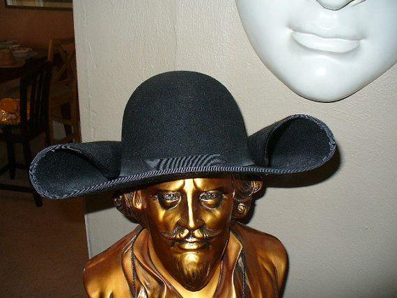 shovel hat