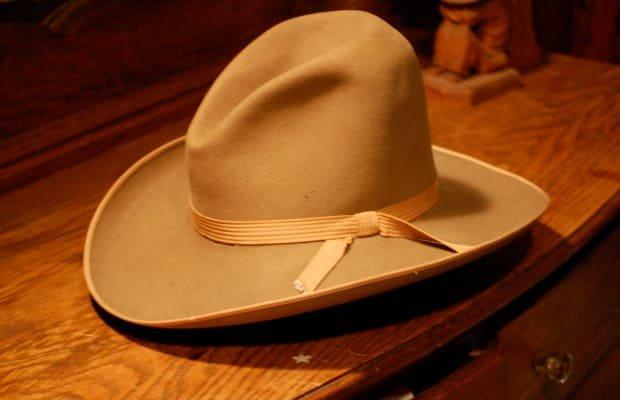 ten-gallon hat
