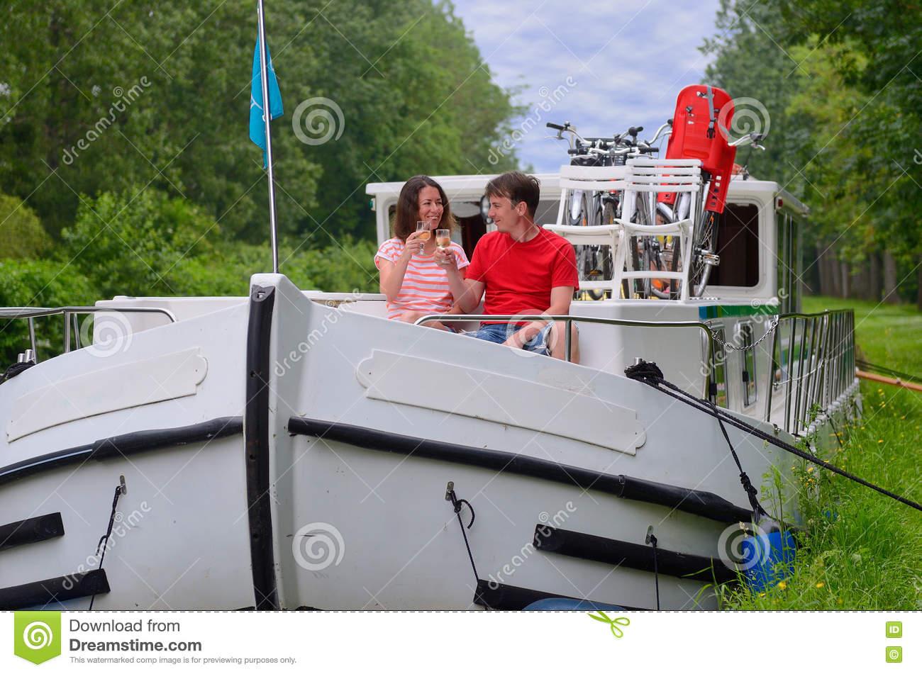 barge couple