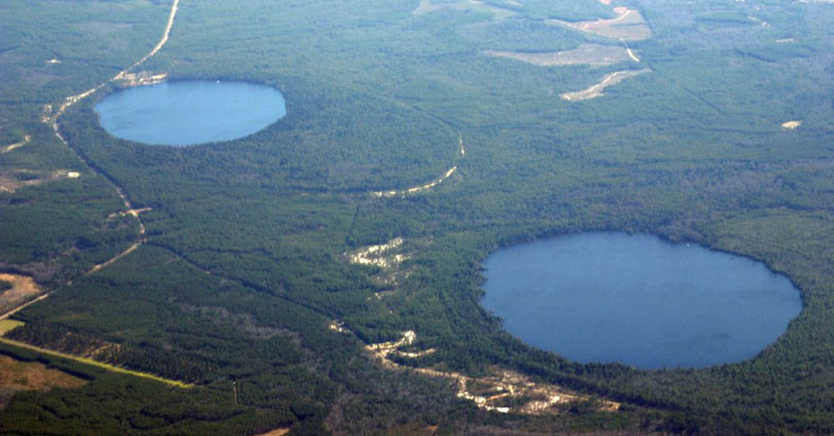What created the many elliptical Carolina Bay landform depressions and what  caused the Younger Dryas cooling period 12,900 years ago? - Asteroid Day