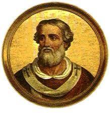 Adrián I (772-795) Nació en Roma. Elegido el 9.II.772, murió el 25.XII.795.  Restauró las murallas de Roma y los antiguos acueductos.