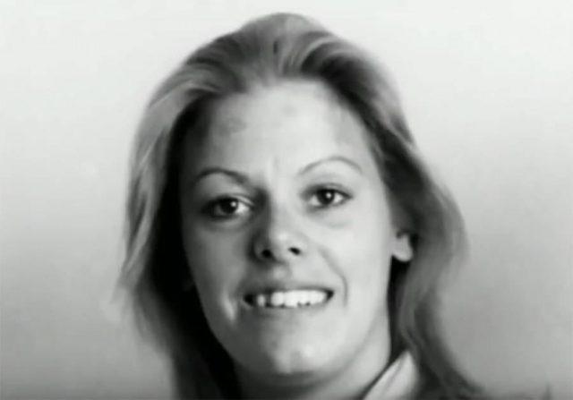 A continuación analicemos el caso de Aileen Wuornos, una asesina en serie  que fue condenada a ejecución en el año 2002 y murió por inyección letal en  el