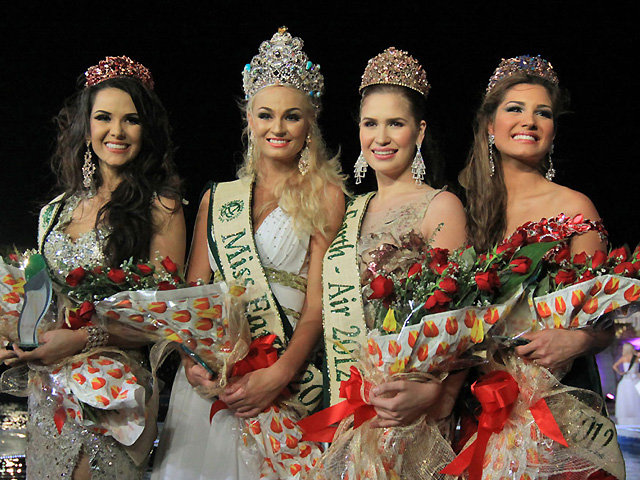 Czech beauty is Miss Earth 2012, Pinay is Miss Air