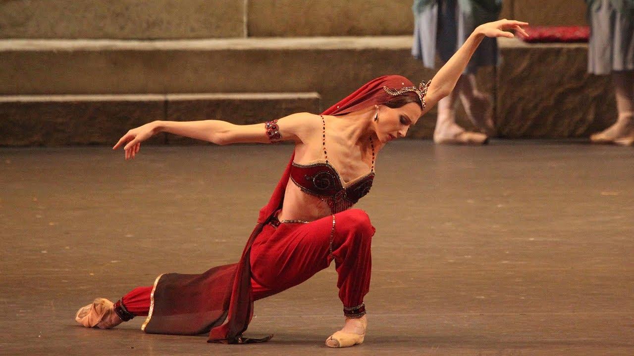 La Bayadère   Svetlana Zakharova   Bolshoi Ballet 2013 (DVD/Blu-ray trailer)