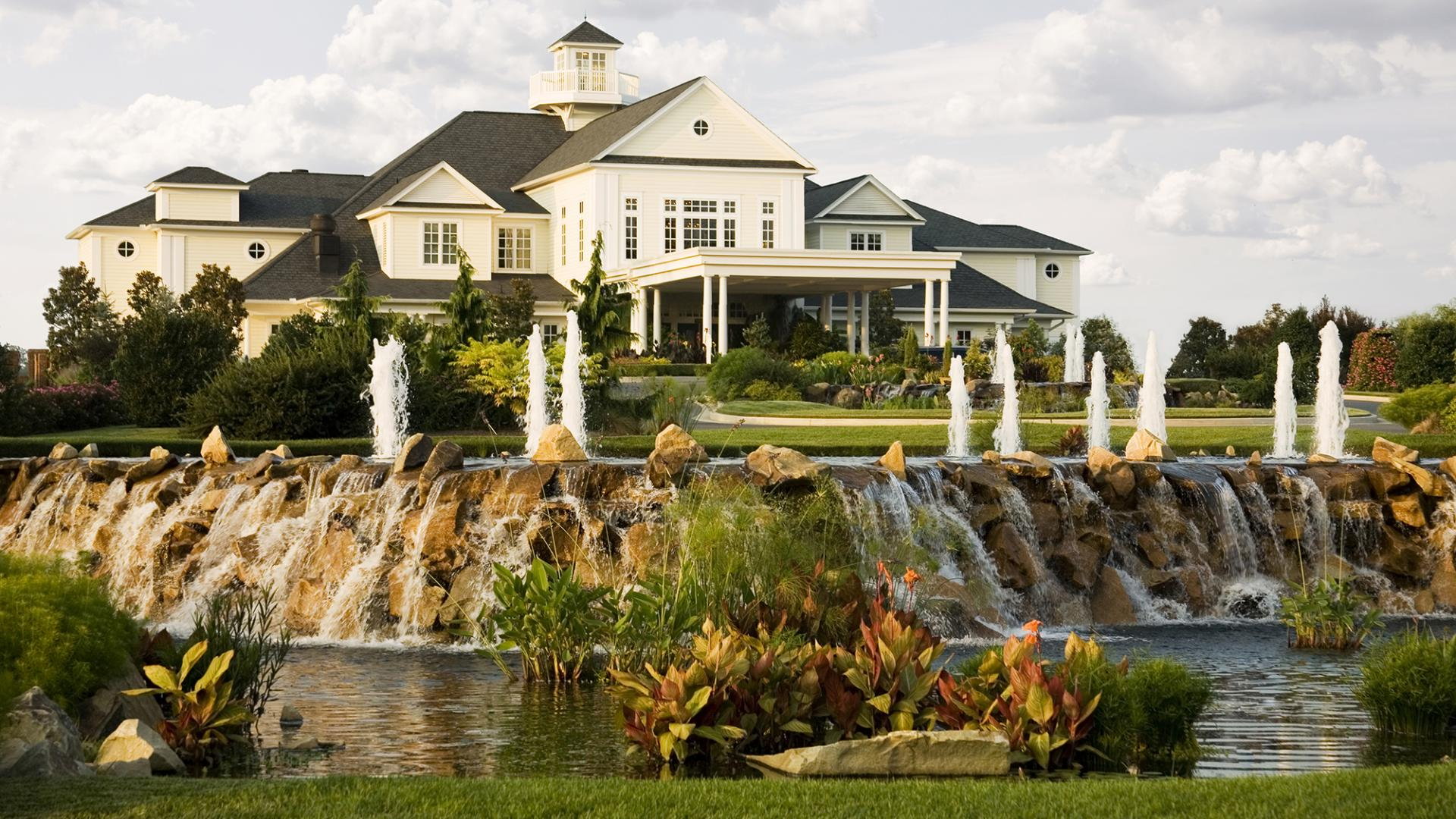 Baywood Greens Clubhouse Front_0.jpg
