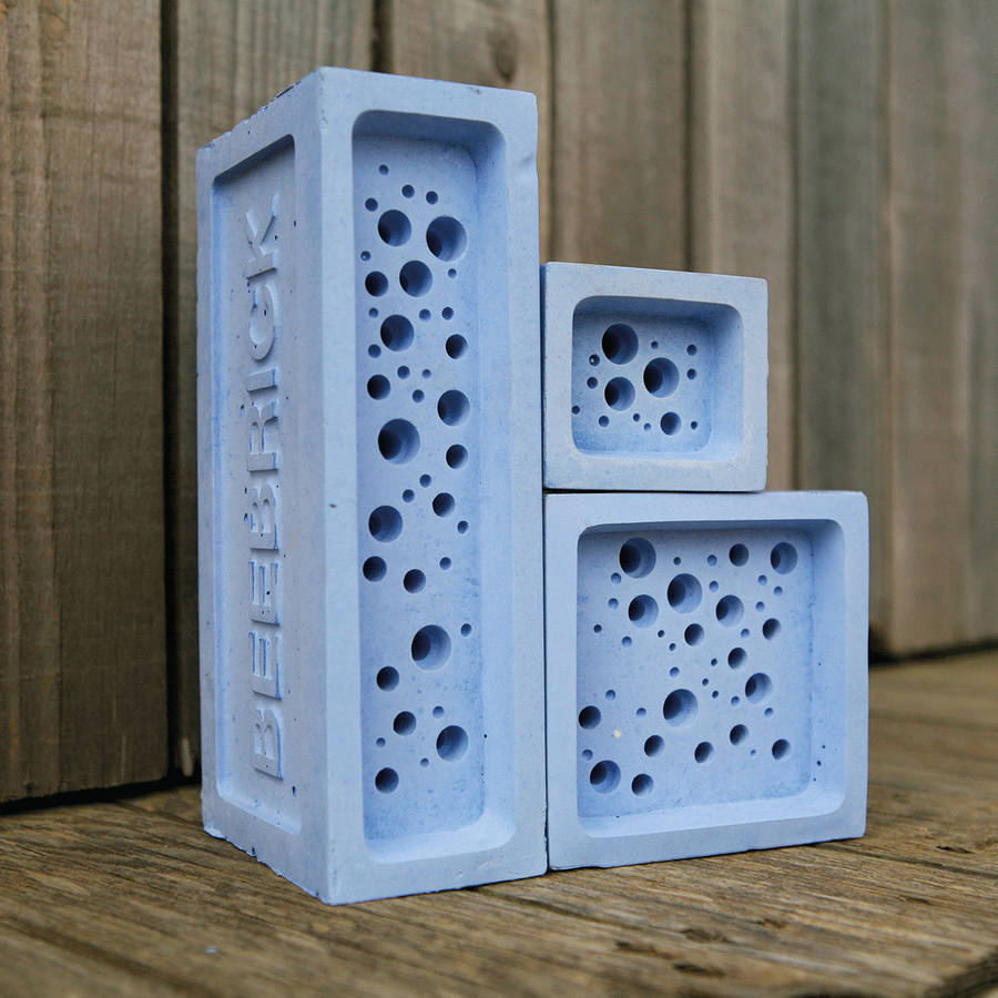 bee brick group by Green&Blue