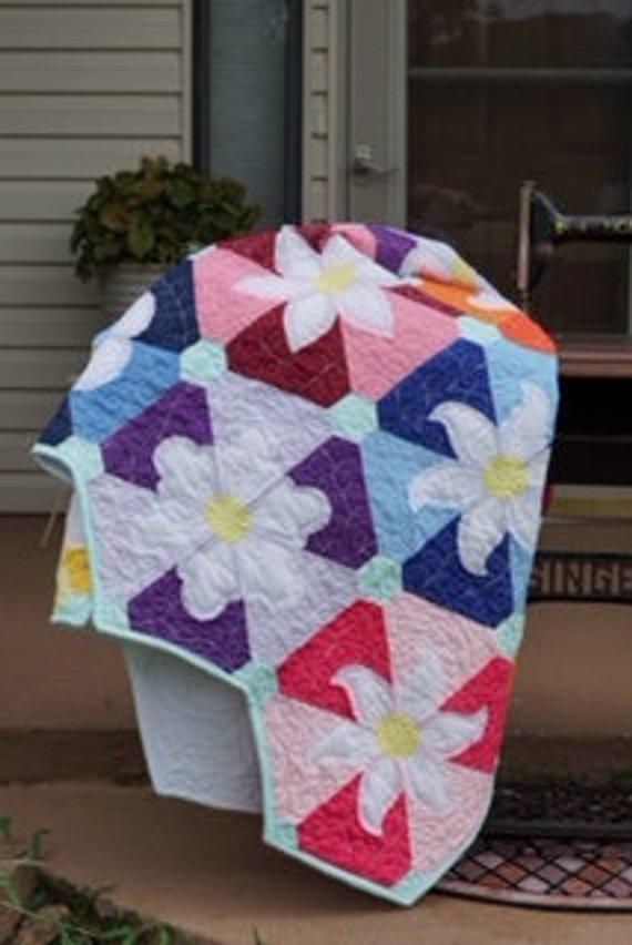 Beflowered quilt