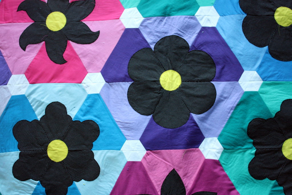 Beflowered Quilt | by sewsweetness Beflowered Quilt | by sewsweetness