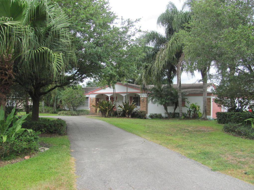 772 Fleming Dr, Belle Glade, FL 33430