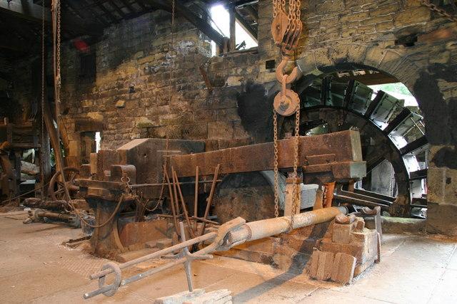 File:Belly helve hammer, Wortley Top Forge - Traveller Location.uk -