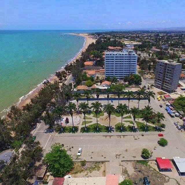 File:Praia de Benguela.jpg