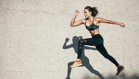 El cardio es una actividad que aumenta la frecuencia cardíaca y la  respiración usando grandes grupos