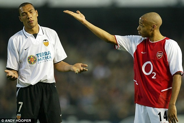 Jugó para el Valencia tres temporadas