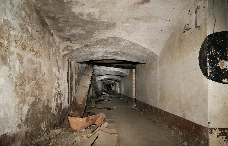 File:Couloir-casern-princ.jpg