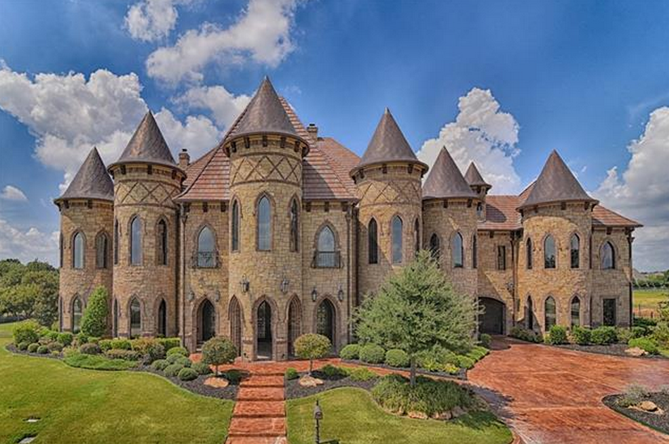 19,000 Square Foot Castle-Like Stone & Brick Mansion In Southlake, TX |  Homes of the Rich