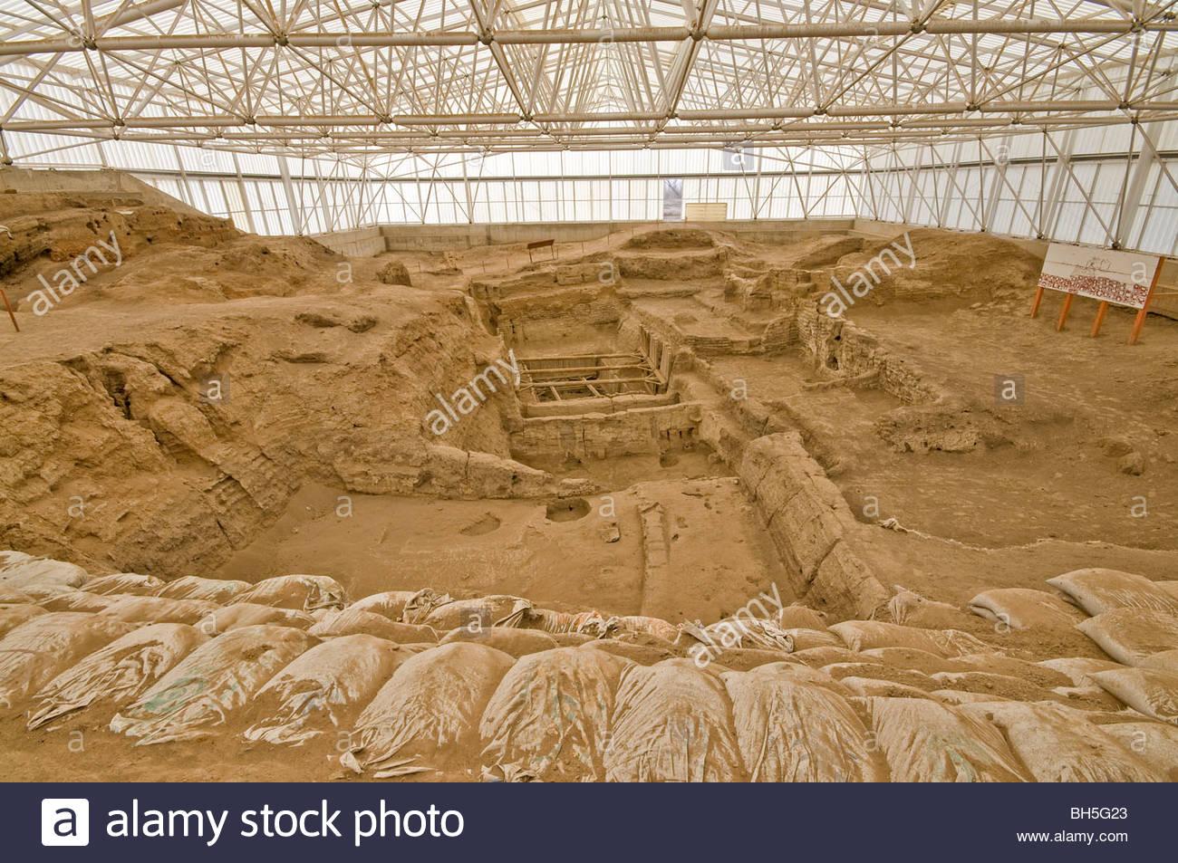 Catal Hoyuk solución permanece y excavación, Turquía. Imagen De Stock