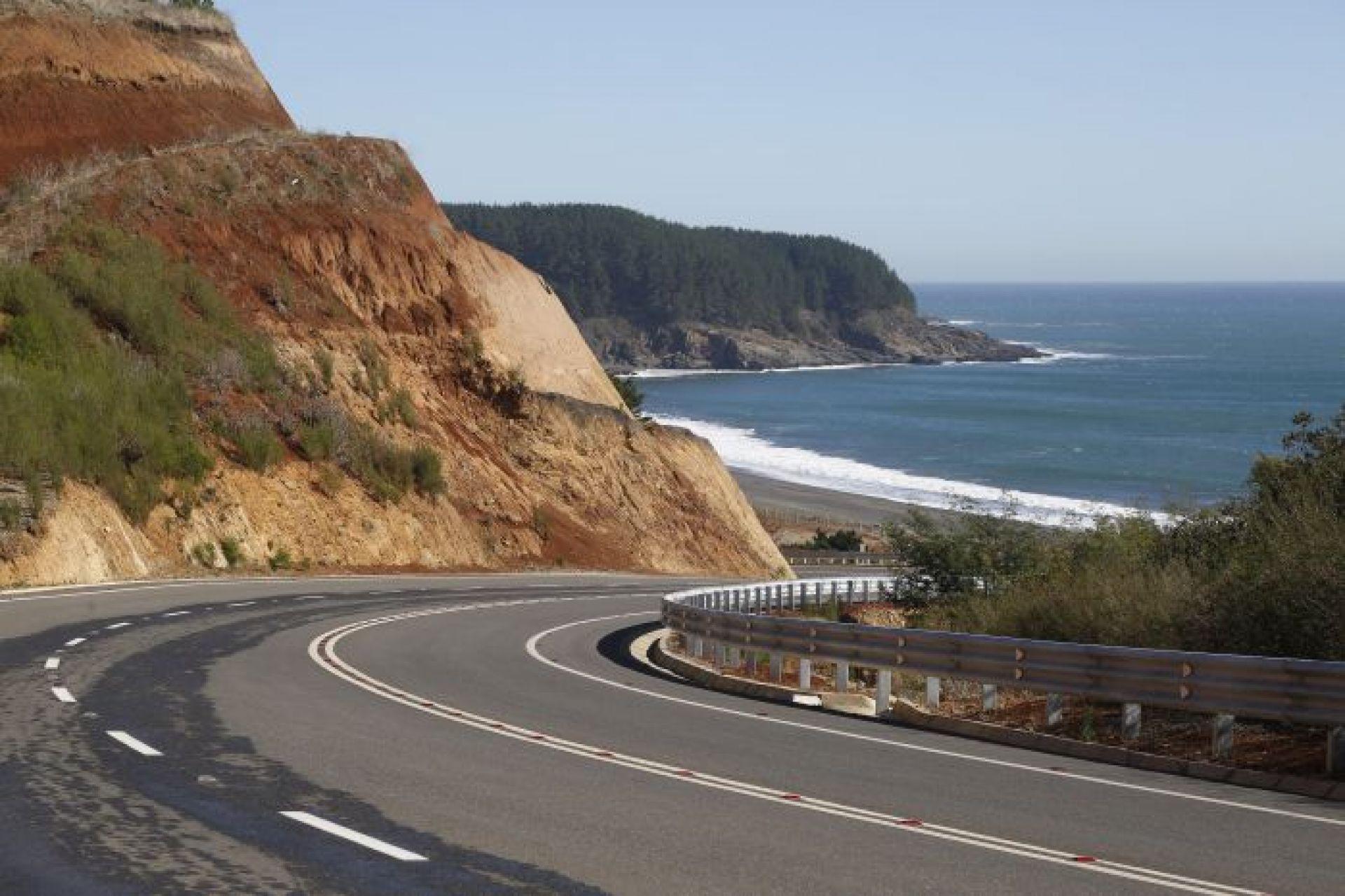 Nueva ruta costera Maule-BioBío fue analizada en el Seminario Provincial de  Turismo de Cauquenes