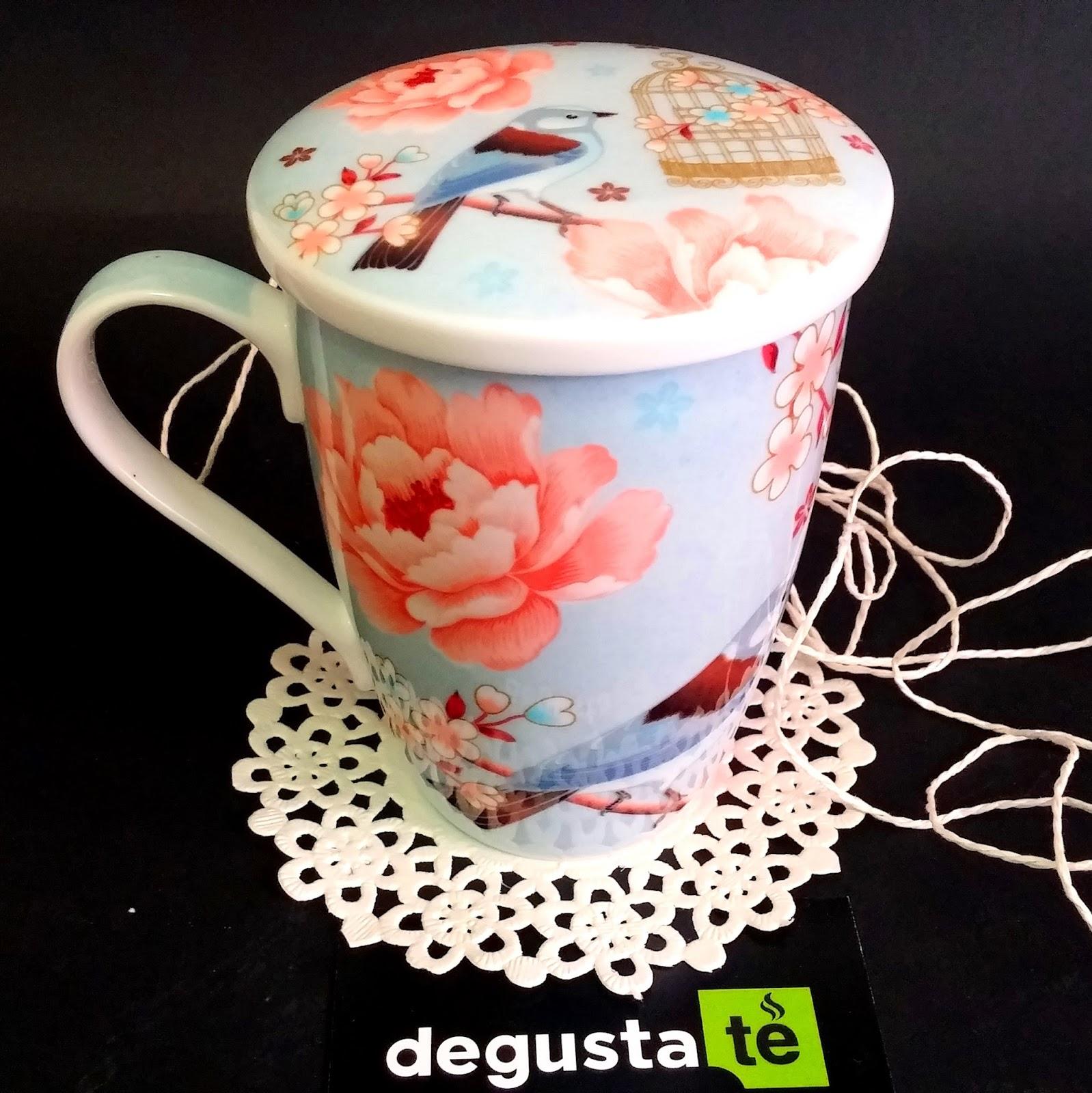 así de sencillo será tomar un té con nuestras tazas con filtro. Conóce  todos los modelos en: http://degustate.es/es/38-tazas-de-te-con-filtro