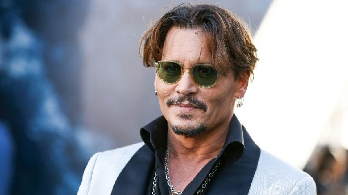 [FOTOS] El gesto de Johnny Depp para los niños con cáncer de Francia