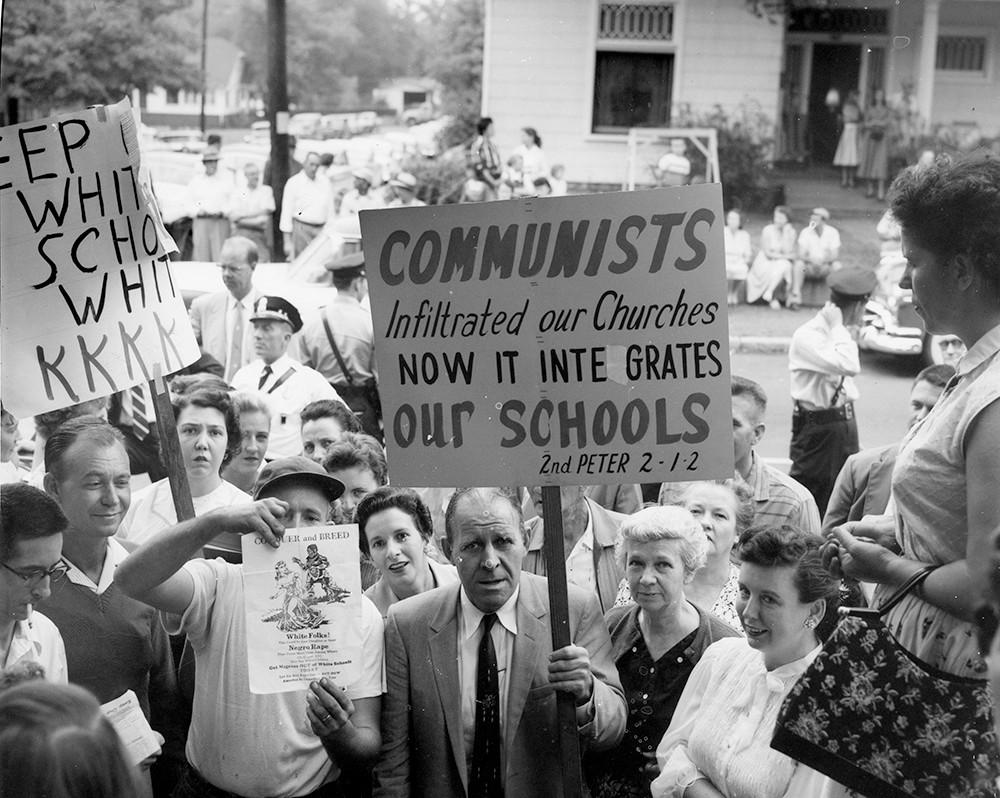 Fred Stroud leads protest against desegregation, Nashville, TN, 1957. ©  Nashville Public