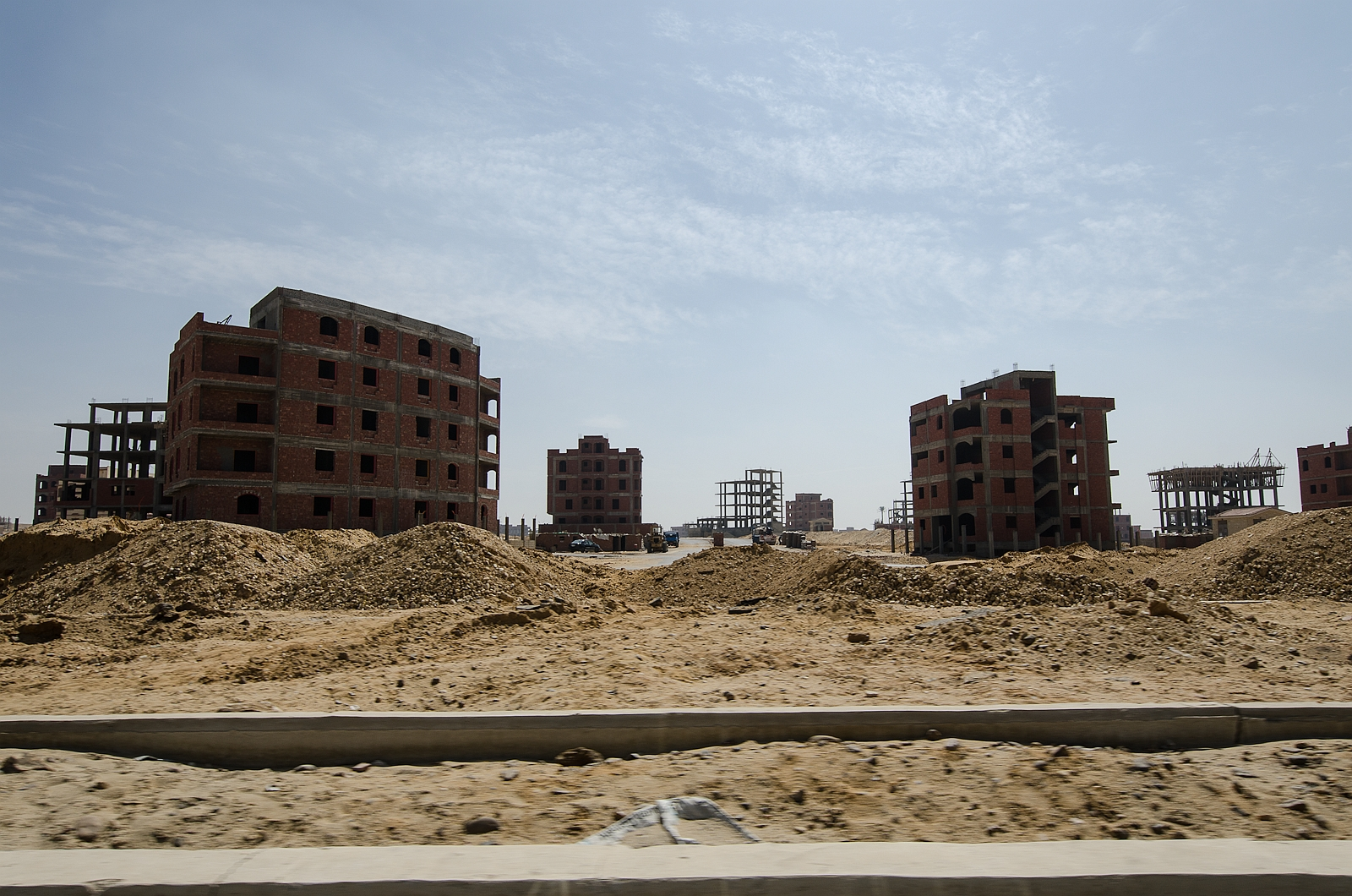 Cairo New Towns – From Desert Cities to Deserted Cities