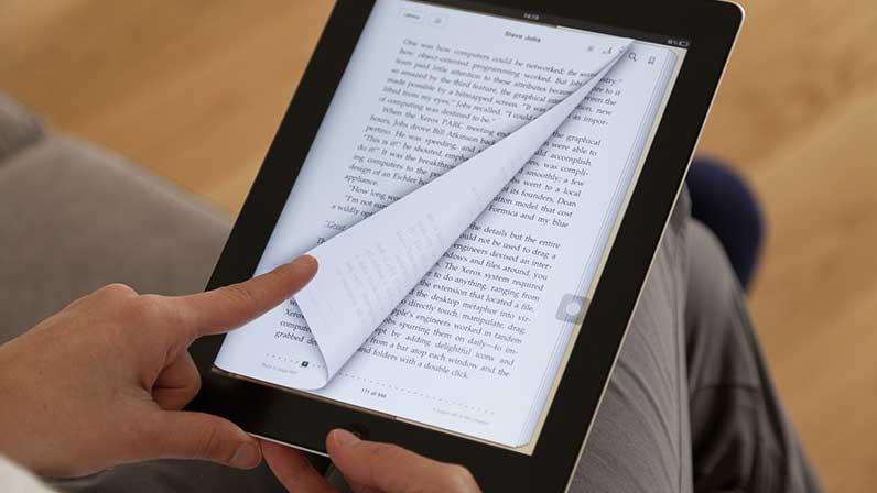 """Cada vez más leemos más en """"digital"""" y menos en """"analógico"""". Aunque el  libro en papel tiene aún su atractivo, la vida actual hace que sea mucho  más práctico"""