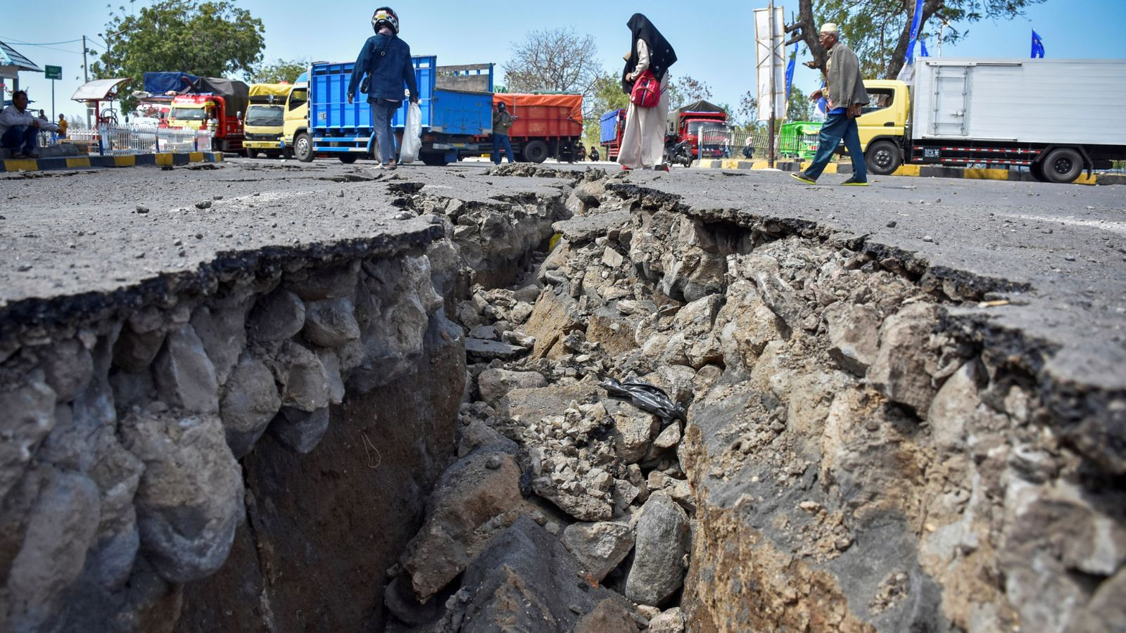 Ring of fire: Why Indonesia has so many earthquakes | World News | Sky News