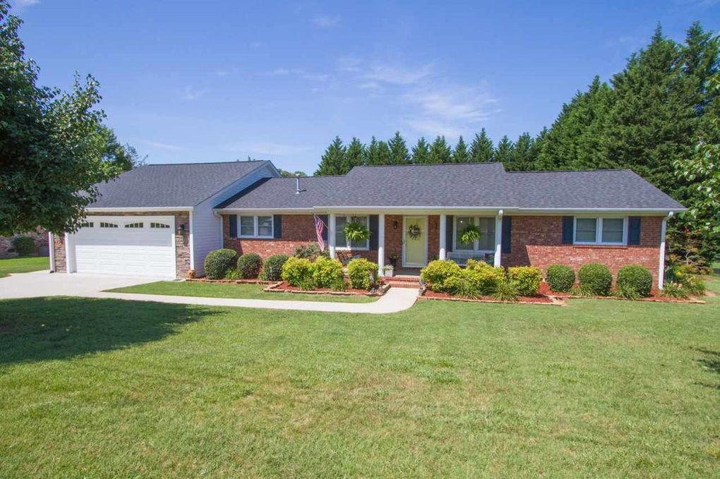 106 Rockmont Rd, Easley, SC 29640