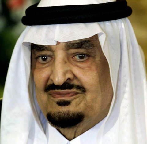 Estuvo en el poder durante más de dos décadas y será sucedido por su medio  hermano el príncipe Abdalá ben Abdel Aziz.