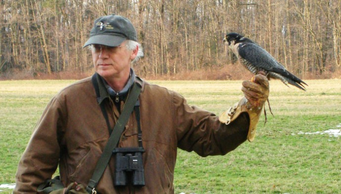 Falconer On the Edge: A Man, His Bird and A Unique Sport