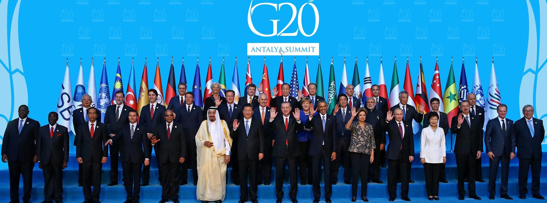 El fenómeno de la globalización económica ha conseguido que todos los  elementos racionales de la economía estén interrelacionados entre sí debido  a la