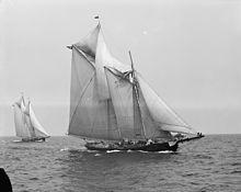 gaff rigged schooner with broken foretopmast