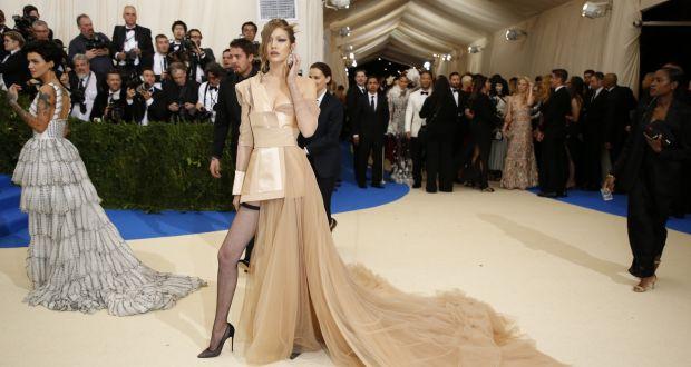 Gigi Hadid makes her entrance at the Met Gala at the Metropolitan Museum of  Art in