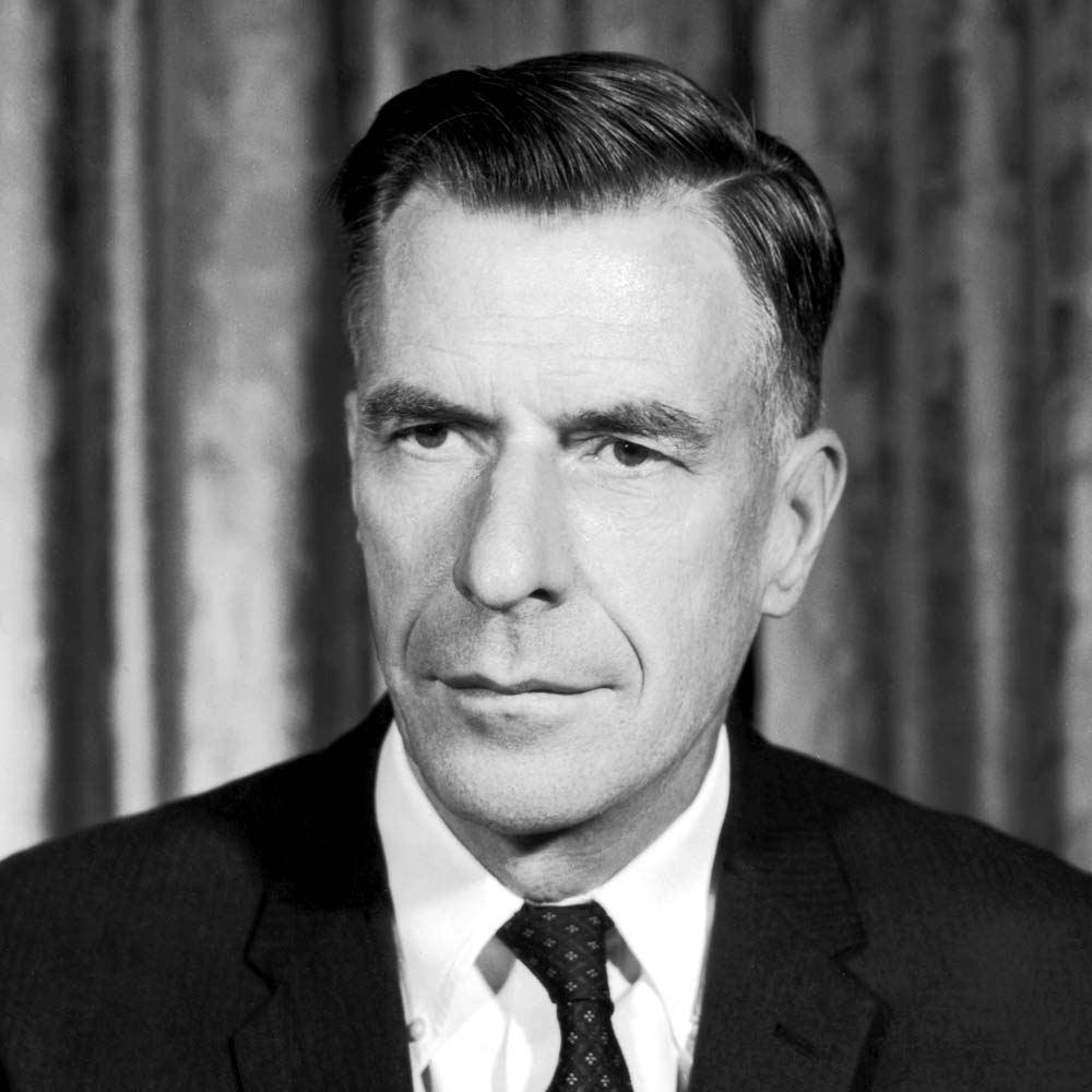 John Kenneth Galbraith | Vía: Traveller Location