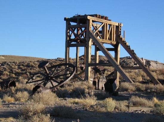 Bodie State Historic Park: Gallows Frame & Machinery for mining