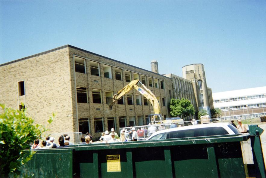 File:Garfield Heights middle school - demolition.jpg