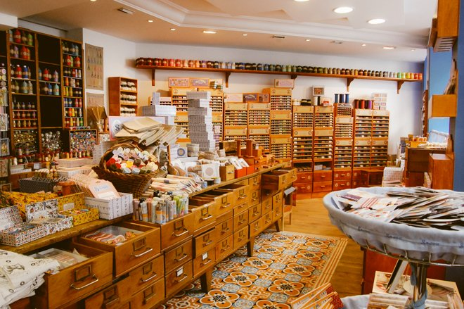 Nestled in the former garment and textile district of Paris, Maison Sajou  is a heaven for lovers of sewing, embroidery, and vintage style haberdashery .
