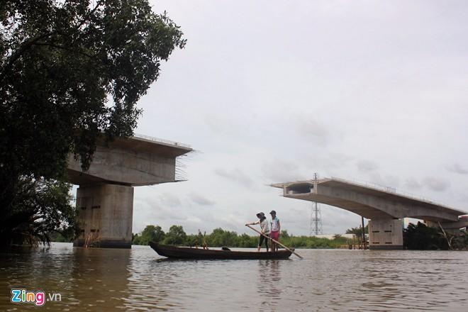 half-completed bridges, half-done bridges, tan tao bridge