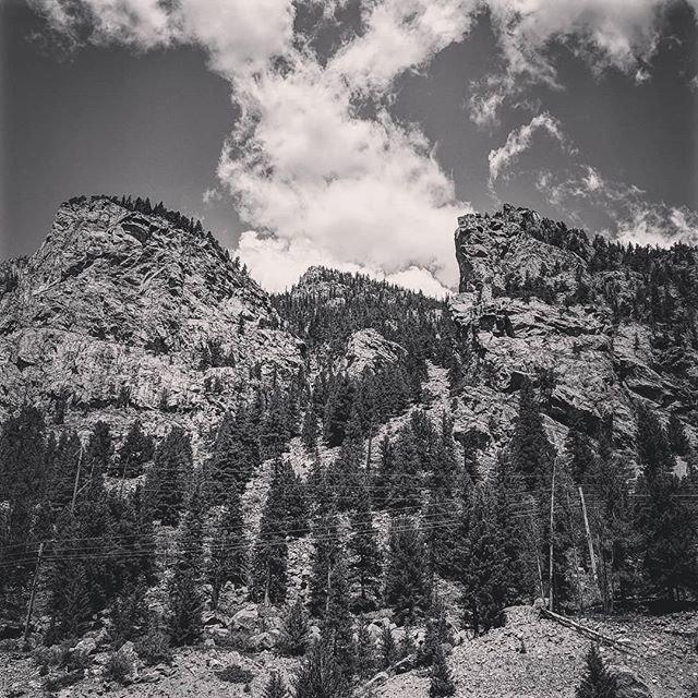 Steep muti-pitch sport climbing on coarse new granite #alpineclimbing  #overhanging #leaningtower #mulitpitchclimbing #sportclimbing #halidome #ra  #fallline