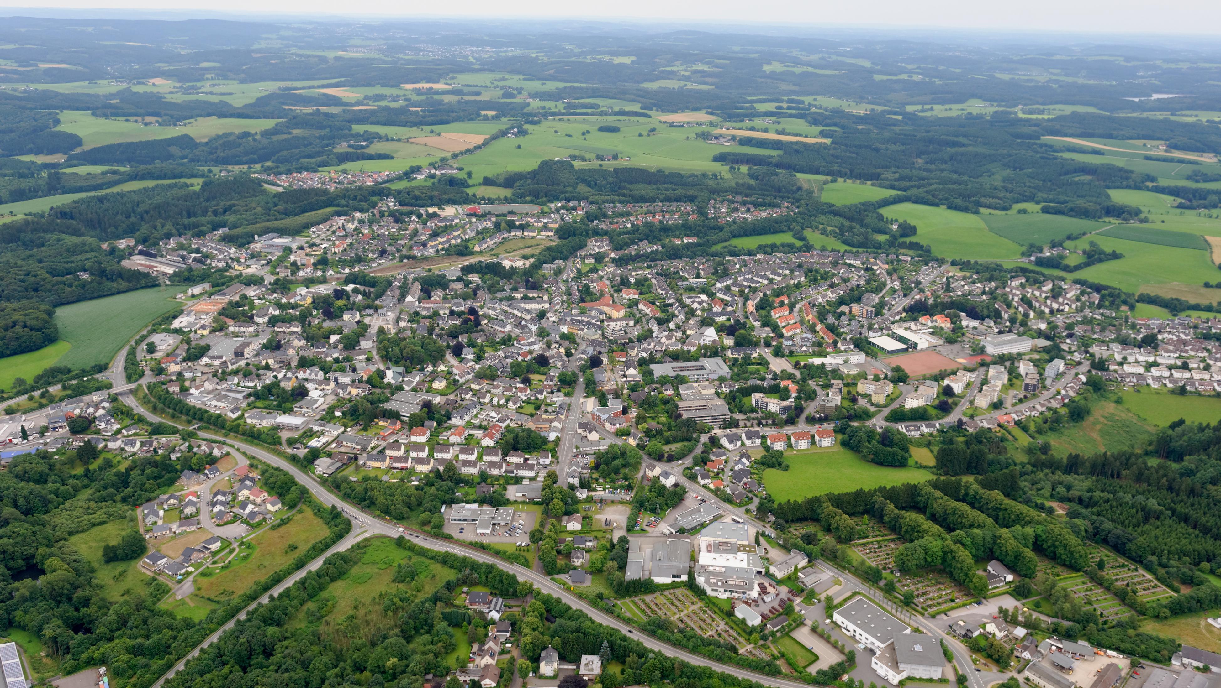 File:Kernstadt von Halver FFSW 3337.jpg
