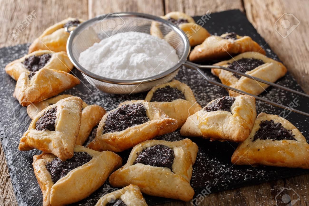 Foto de archivo - Hamantash, Ozen Aman: cocina judía tradicional, utilizada  durante la festividad judía de Purim.