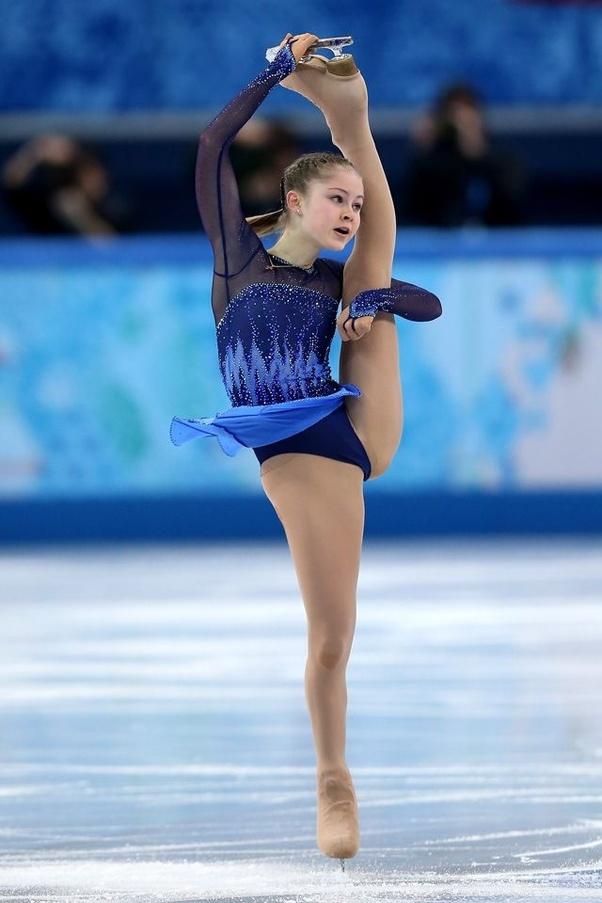 (Julia Lipnitskaia, the legendary I-spin.)