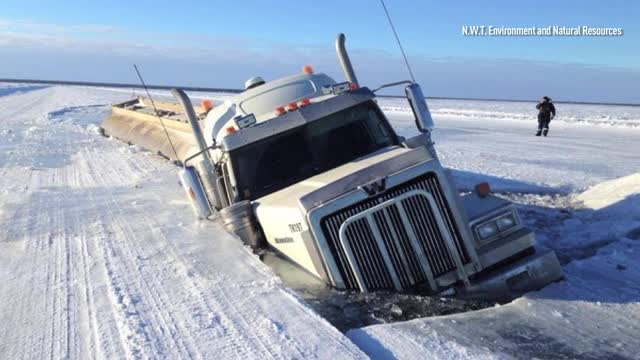 News - Truck breaks through ice road after weight limit increase - The  Weather Network