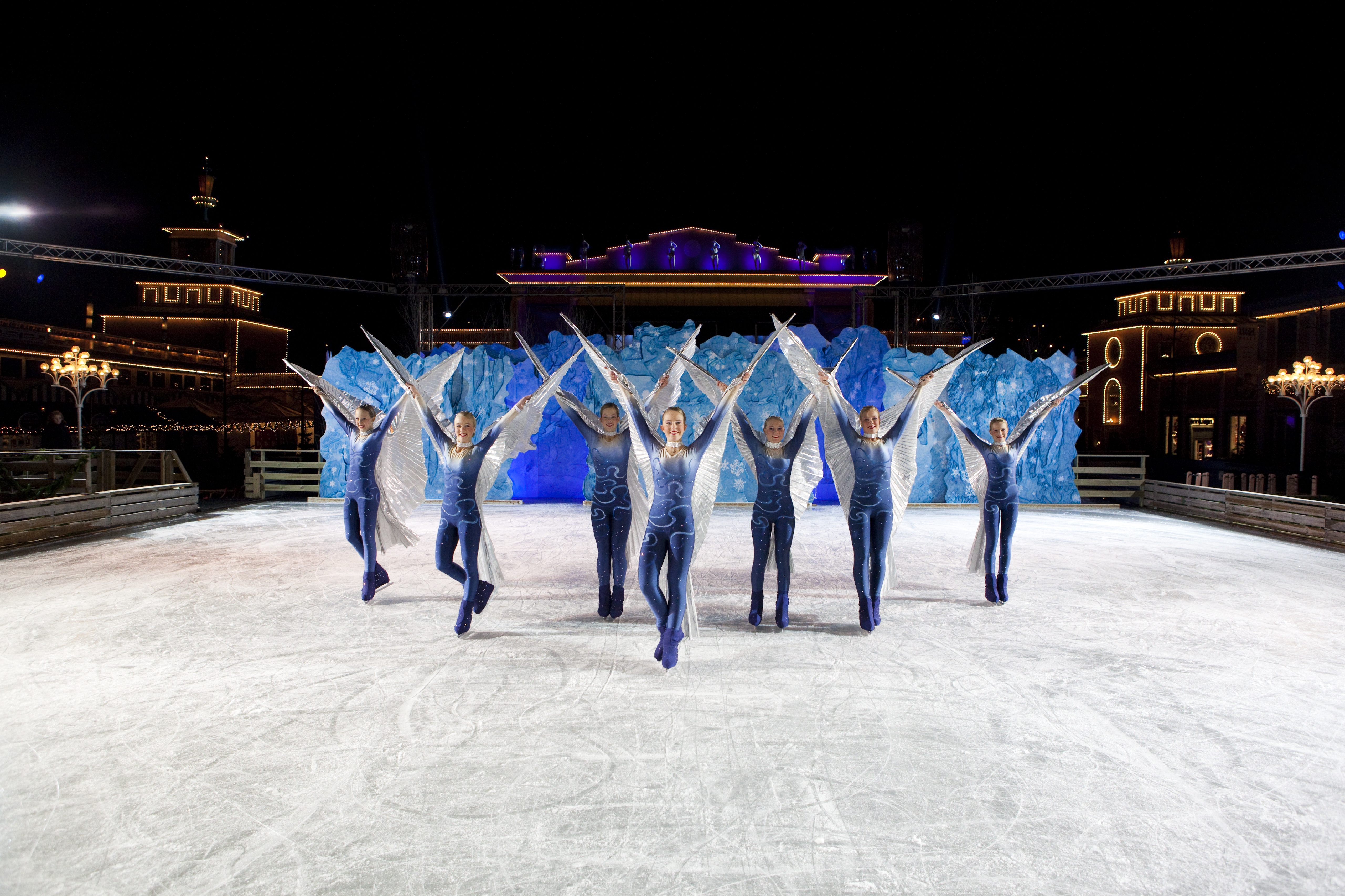 File:Ice show Vintervirvlar at Liseberg 2009 1.jpg
