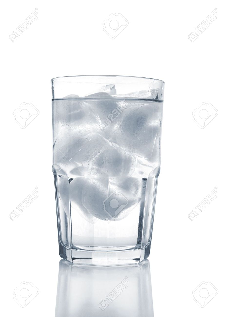 Glass of Ice Water Stock Photo - 2569032