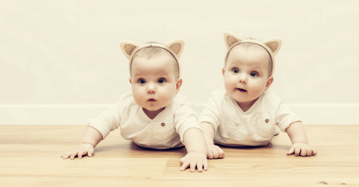 do identical twins have the same DNA
