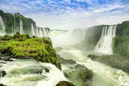 Excursión a las cataratas de Iguazú, paseo en barco, tren, camioneta de  safari