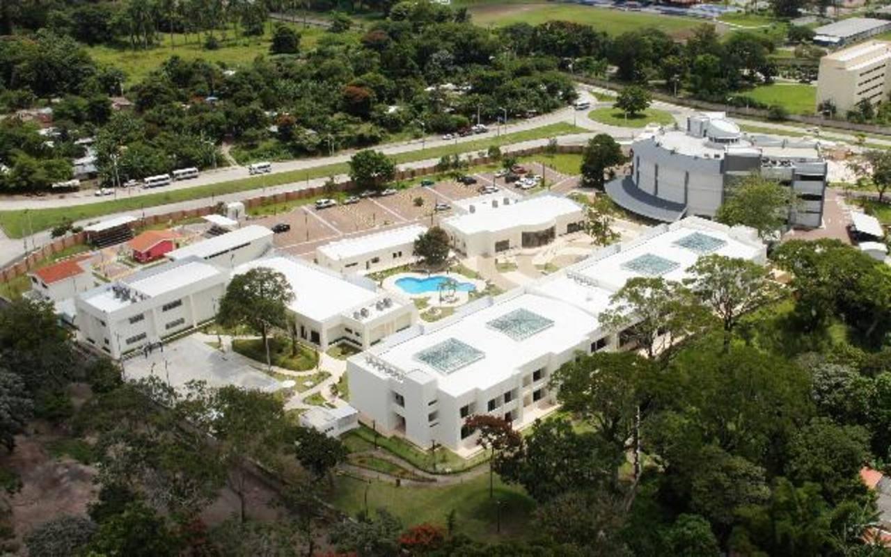 Vista aérea de las nuevas instalaciones de la Academia Internacional para  el Cumplimiento de la Ley