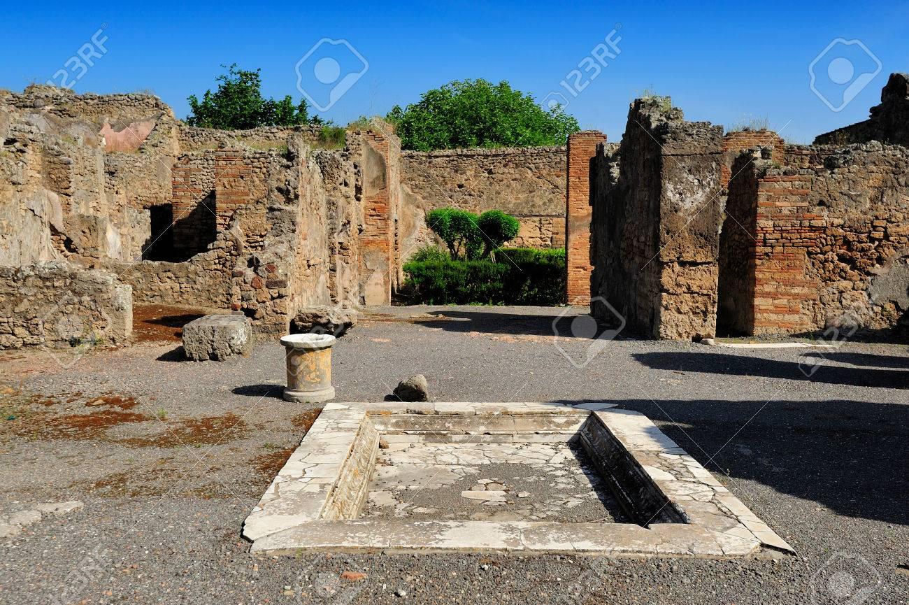 Foto de archivo - La Casa del Poeta Trágico la Casa homérica o la Casa  Iliadic, Pompeya, Italia