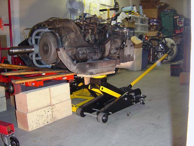jack lifting engine